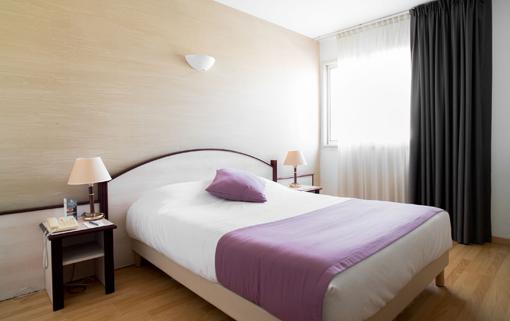 Hotel 3 étoiles avec piscine Ariane Istres chambre CONFORT