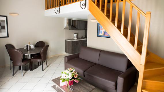 Hôtel Ariane Istres chambres 3 étoiles avec piscine Ariane Istres suite familiale
