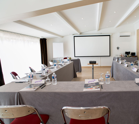 location salle de séminaire Fos sur Mer Hotel Ariane